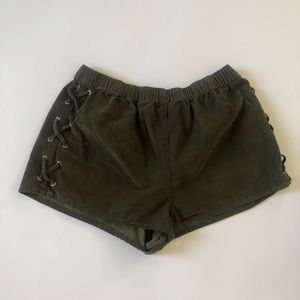 Forever 21 Army Green Shorts Size Medium